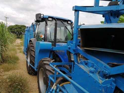 F17 sugarcane harvester