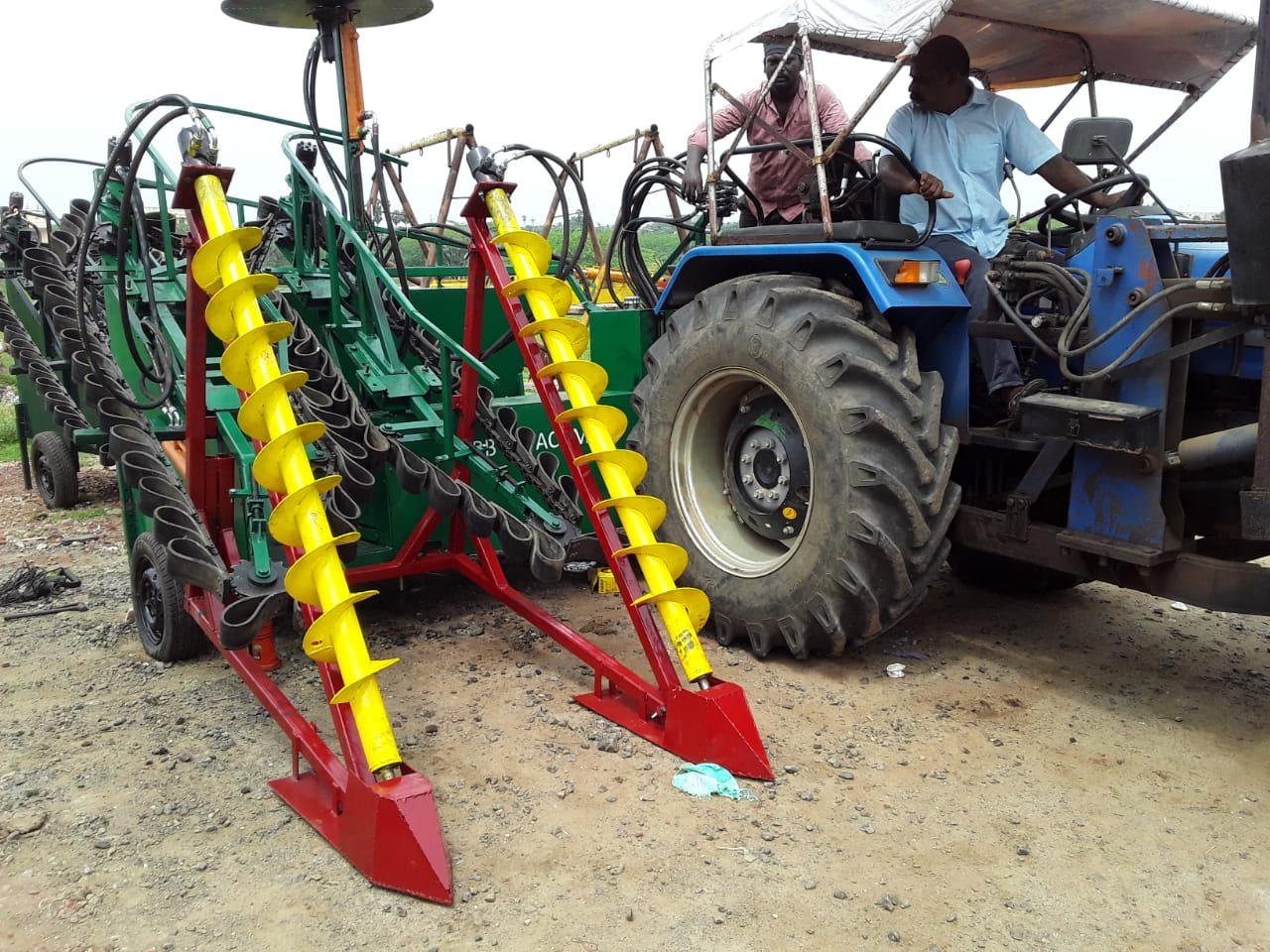 F16 sugarcane harevster